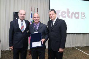 Equipe Zetra e o presidente do Fesmad