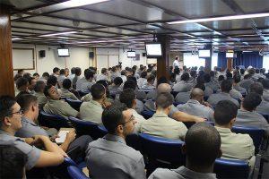 """Guardas-Marinha participam da aula no Navio-Escola """"Brasil"""""""